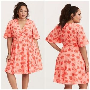 Torrid Georgette Wrap Dress Floral Print Size 12